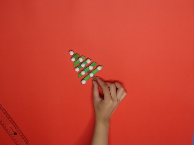 How to Make a Christmas TreeCraftwith Popsicle Sticks
